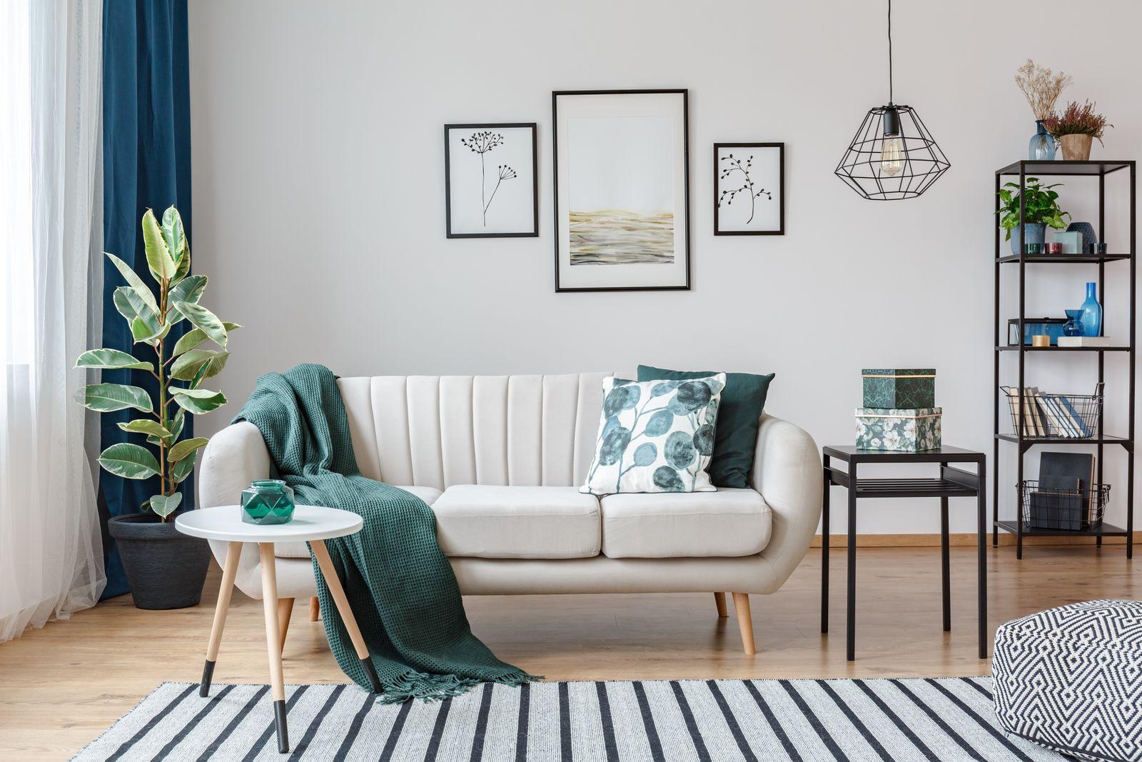 décoration salon accessoires touches de vert et de turquoise